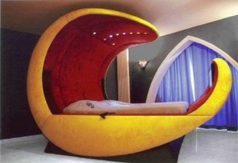 10 weird shaped beds smashing tops for Unique beds for sale